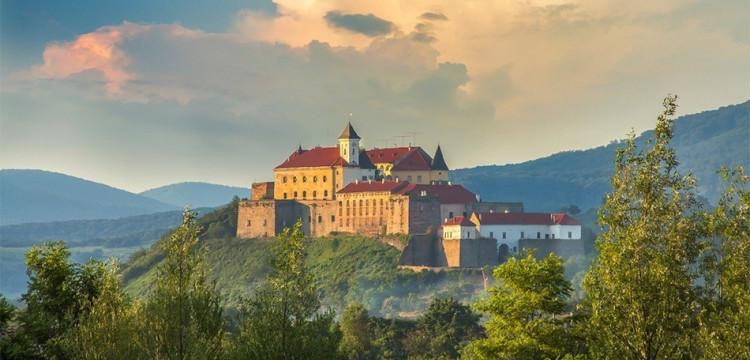 Поездка в Закарпатье - Ужгород, Мукачево, Хуст - фестиваль вина, замки и красота Карпат